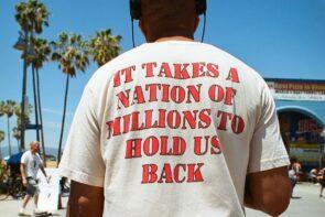 Call to commit - T-shirts met een missie