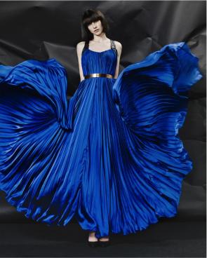 Mattijs van Bergen, 'Royal Blue Dress', collection: Starburst najaar/winter, 2012 Photography: Wendelien van Daan.